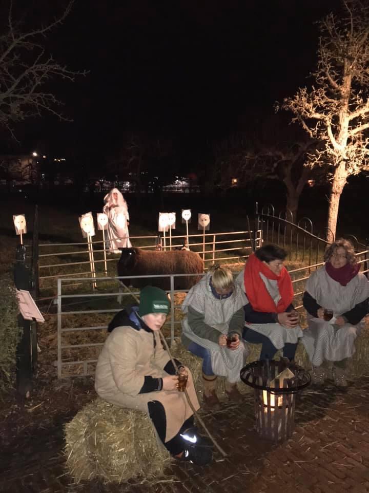Herdertjes bij nachten ontmoeten engel
