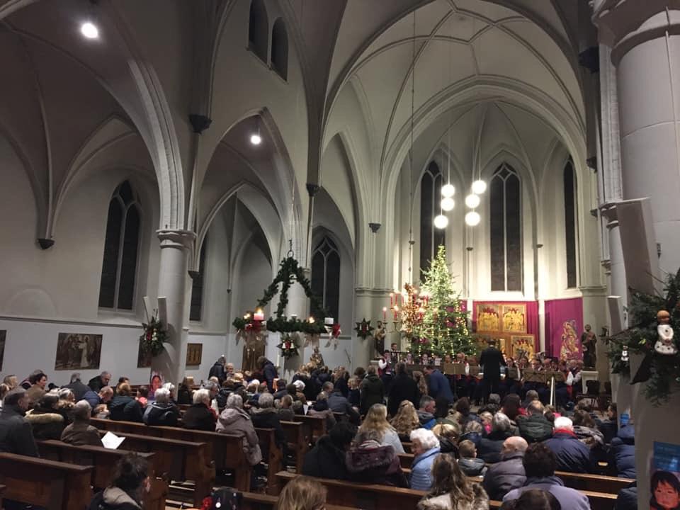 Excelsior in kerk